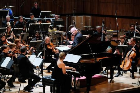 Hans Abrahamsen's Left, alone conducted by George Benjamin, with soloist Tamara Stefanovich © Mark Allan