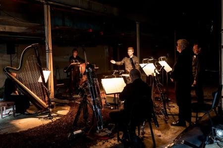 Geoffrey Paterson conducts the world premiere of Cave