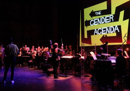 Jessica Cottis conducts the world premiere of The Gender Agenda by Philip Venables in 2018 © Mark Allan